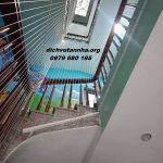 Lưới an toàn cầu thang bảo vệ an toàn cho trẻ nhỏ tại Cầu Giấy