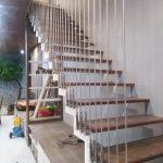 Đơn vị thi công cầu thang làm bằng dây cáp chuyên nghiệp tại Quảng Ninh